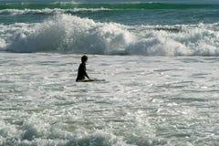 fala surf okładzinowe surfera Zdjęcia Stock