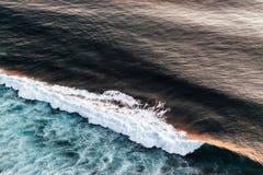 Fala w oceanu che?botania fala zdjęcia stock