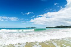Fala w piasku na plaży i morzu Obrazy Royalty Free
