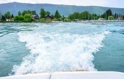 Fala za motorboat zdjęcie stock