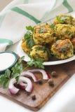 Falafel нутов с соусом стоковое изображение
