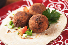 Falafel, alimento clássico do Oriente Médio Fotografia de Stock Royalty Free
