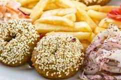 Falafel con las patatas fritas Imágenes de archivo libres de regalías
