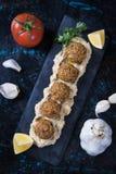Falafel, gebratene Kichererbsenbälle Lizenzfreie Stockfotos
