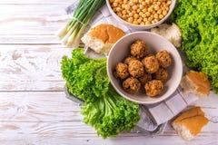 Falafel i chickpea Żydowska kuchnia Odgórny widok Zdjęcia Stock