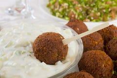 Falafel met Tzatziki en Tabbouleh royalty-vrije stock afbeelding