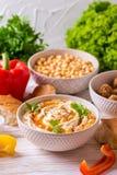 Falafel, pita, hummus i chickpea z warzywami, horyzontalny Obrazy Royalty Free