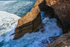 Falaise côtière d'océan Photographie stock libre de droits