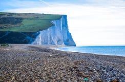 Falaise de craie blanche de sept soeurs dans les bas du sud parc national, East Sussex, Eastbourne, R-U images libres de droits