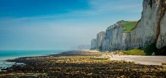 """Falaise de Falaise d """"Amont chez Etretat, Normandie, France photo libre de droits"""