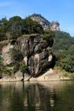 Falaise de montagne Photo stock