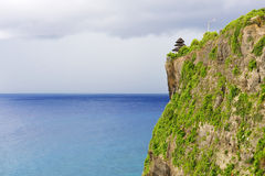 Falaise de plage, Uluwatu, Bali Image libre de droits
