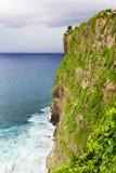 Falaise de plage, Uluwatu, Bali Photos stock