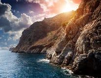 Falaise par la mer Photos libres de droits