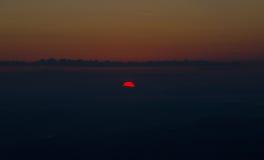 Falaise Phu Kradueng de lever de soleil Photographie stock