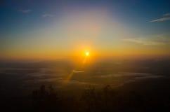 Falaise Phu Kradueng de lever de soleil Photo libre de droits