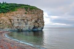 Falaise sur la péninsule de Gaspesian dans l'image de HDR photo libre de droits