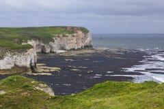 Falaises à la tête de Flamborough donnant sur la mer Photos libres de droits