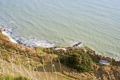 Falaises blanches de Douvres par la mer Photographie stock libre de droits
