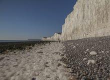 Falaises blanches et cieux bleus - sept soeurs, East Sussex, Angleterre, R-U images libres de droits