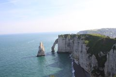Falaises chez Etretat Photos stock