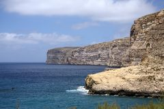 Falaises d'île de Gozo Photo stock
