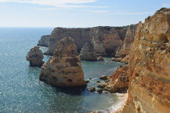 Falaises d'Algarve Photos stock