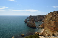 Falaises d'Algarve Photographie stock