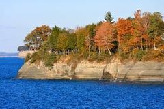 Falaises d'Erie de lac en automne Photo stock