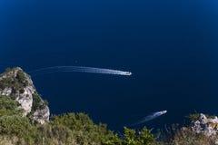 Falaises de Capri, île de Capri, Italie Photo libre de droits