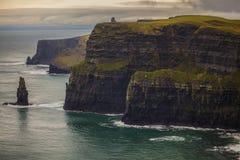 Falaises de l'Irlande de Moehr photographie stock
