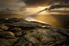 Falaises de Lysefjord image libre de droits