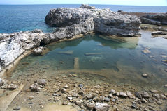 Falaises de mer en Toscane Photographie stock