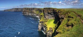 Falaises de Moher panoramiques Image libre de droits