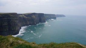 Falaises de paysage de vert de Moher, Irlande Photo stock