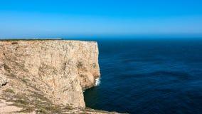 Falaises du Portugal, océan Photos stock