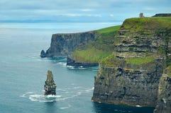 Falaises en Irlande Image stock