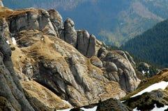 Falaises en montagnes de Ciucas, Roumanie Photo libre de droits