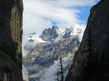Falaises et montagne Photographie stock libre de droits