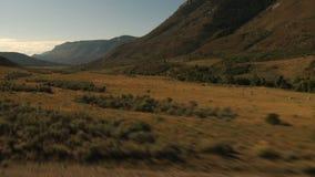 Falaises et vallées vertes clips vidéos