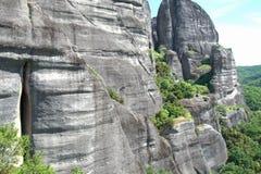 Falaises grecques de roche de montagne de meteora Photos stock