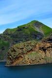 Falaises rocailleuses de l'île de Heimaey de l'Islande images libres de droits