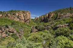 Falaises rouges de roche de la gorge de Blavet, Soth des Frances Photo stock