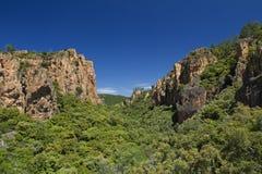 Falaises rouges de roche de la gorge de Blavet, Soth des Frances Images libres de droits