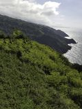 Falaises vertes dans la côte cantabre images libres de droits