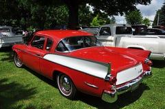 Falcão de prata de Studebaker na mostra de carro antigo imagem de stock royalty free