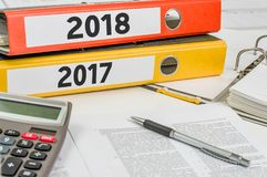 Falcówki przylepiać etykietkę 2018 i 2017 Zdjęcia Stock
