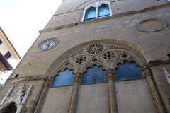 Falcade detalj på den Orsanmichele kyrkan arkivbilder