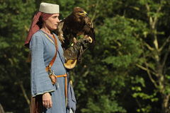 Falcoeiro no festival medieval, Nuremberg 2013 Foto de Stock Royalty Free
