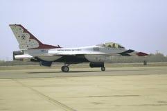 Falcons di combattimento dell'aeronautica di Stati Uniti F-16C, Immagini Stock